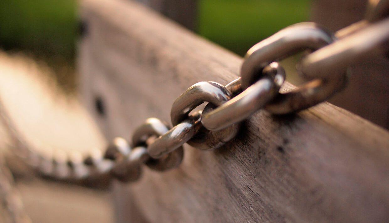 ¿Cómo hacer una auditoría de enlaces paso a paso? [Plantilla]